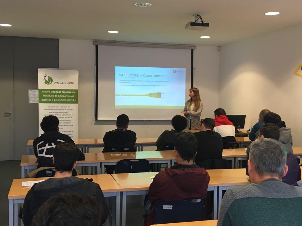 Sessões de Sensibilização, Comunicação e Educação nos CENFIM